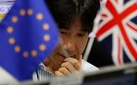 Sụt mạnh vì Brexit, Nikkei tạm ngừng giao dịch