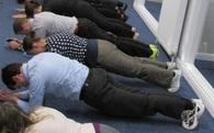 """Bí mật về Plank, bài tập đang """"sôi sục"""" từ phòng gym tới công sở"""