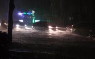 Sài Gòn mưa lụt: giá Uber vượt ngưỡng 4,9x, đi 2km hết gần 170 ngàn