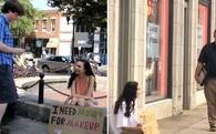 Thử nghiệm: Xinh đẹp đi xin tiền make up thì được cho, đóng vai vô gia cư xin tiền để ăn thì bị từ chối