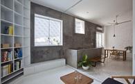 Tạp chí kiến trúc hàng đầu nước Mỹ hết lời khen ngợi căn nhà trong hẻm ở Sài Gòn