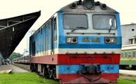 """Đây là những đối thủ đang """"giết chết dần"""" đường sắt Việt Nam"""