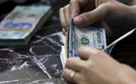 Giá bán USD kịch trần, ngân hàng quay sang nâng mạnh giá mua vào