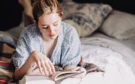 Tạo dựng thói quen đọc sách như người siêu thành công: Chọn sách thông minh giúp bạn cải thiện bản thân không ngờ