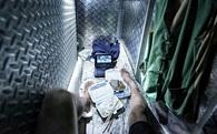 """24h qua ảnh: Cuộc sống tù túng trong nhà """"quan tài"""" ở Hồng Kông"""