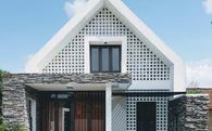 """Ngôi nhà có thiết kế """"độc"""" ở Quảng Bình xuất hiện ấn tượng trên báo Mỹ"""