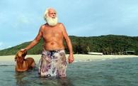 Triệu phú Úc từ bỏ thành thị, sống cô độc như Robinson trên đảo hoang
