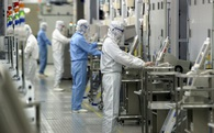 """""""Quần hùng tranh bá"""": Foxconn sẵn sàng trả 27 tỷ USD tranh giành mảng chip nhớ của Toshiba"""