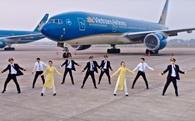 """Nhân viên Vietnam Airlines nhảy 'Bống bống bang bang': Sắp bị Vietjet qua mặt, """"lão làng"""" đang quay sang học tập chính người """"đàn em""""?"""