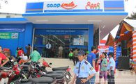 """Trong khi 7-Eleven, Circle K… mải mê tranh giành ở kênh bán lẻ hiện đại thì Saigon Co.op vừa """"đi một nước cờ"""" đầy khôn ngoan"""