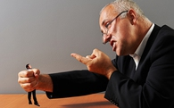 Học cách đối phó nếu bạn phải làm việc với 4 kiểu sếp tồi phổ biến sau
