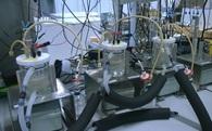 Cỗ máy sản xuất thực phẩm chỉ từ điện, nước, không khí và vi khuẩn