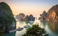 Nhìn một huyện nghèo 96% dân tộc thiểu số đã thu 10 tỷ/năm mới thấy sức hút du lịch Quảng Ninh lớn thế nào