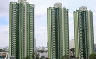 """Cao ốc Thuận Kiều Plaza bỏ hoang bỗng """"lột xác"""" với màu xanh lá nổi bật tại trung tâm Sài Gòn"""