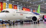 Máy bay Made in China ra mắt, Boeing và Airbus gặp phải 'cơn đau đầu' mới