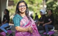 Từ góa phụ một nách 3 con, lái xe taxi kiếm sống, người phụ nữ này khởi nghiệp ở tuổi 45 và lọt vào danh sách Forbes Ấn Độ