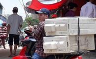 Săn hàng hiệu giá rẻ ở 'chợ điếc' vùng biên