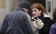 Nữ du khách tặng miếng pizza cho người đàn ông vô gia cư, câu chuyện diễn ra sau đó khiến ai cũng phải suy ngẫm