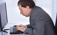 Đơn giản là ngồi thẳng lưng dậy, bạn sẽ cải thiện được cả sức khỏe lẫn sự nghiệp của mình
