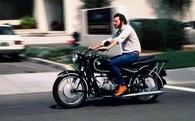 Chiếc xe máy của Steve Jobs đã truyền cảm hứng cho những thiết kế của Apple như thế nào