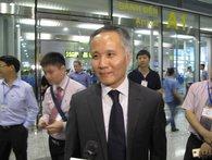 Vừa xuống Nội Bài, Thứ trưởng Bộ Công thương trả lời về TPP