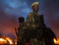 Tại sao các quốc gia đói nghèo châu Phi lại xua đuổi nhân viên cứu trợ của những tổ chức phi chính phủ?