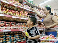 Chủ tịch ADB: Sao Việt Nam không dựa vào tiêu dùng trong nước mà cứ lệ thuộc vào đối tác thương mại như Trung Quốc?