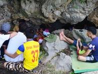 Dân chui vào hang trốn nóng 40 độ C