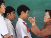 'Không kiềm chế được hành động thì đừng làm cô giáo'