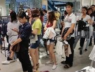"""Zara Việt Nam bán được 5,5 tỷ đồng, """"phá đảo"""" kỷ lục doanh thu ngày khai trương trên toàn thế giới?"""