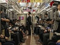 Muốn biết người Nhật văn minh như thế nào hãy đi tàu điện ngầm ở Tokyo