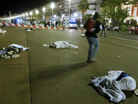 Hiện trường vụ khủng bố đẫm máu ngày Quốc khánh Pháp