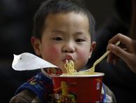 Đi du lịch ăn mì gói - chuyện quá bình thường đối với người Trung Quốc