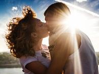 """Khám phá: 10 tác dụng """"kỳ diệu"""" của nụ hôn đối với sức khỏe"""