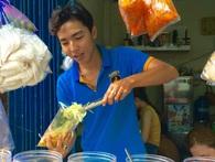 Cũng là món ăn vặt nhưng vì sao bánh tráng trộn ở Sài Gòn chưa bao giờ bão hòa?