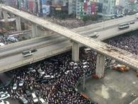 """Cấm xe máy ở Hà Nội: """"Không phải chúng tôi học một cách máy móc từ nước khác!"""""""