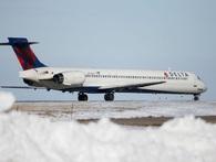 Hãng hàng không lớn nhất nhì thế giới bị tê liệt nặng nề vì lỗi máy tính chưa giải thích được