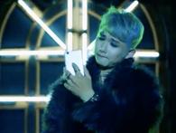 """Samsung quảng cáo điện thoại mới bằng cách công kích cá nhân, dìm hàng ca sĩ Sơn Tùng để """"nâng"""" bản thân lên"""