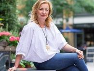 """Hành trình từ nhà báo đến bà chủ triệu đô nhờ ứng dụng """"Uber for beauty"""" dành cho phái đẹp của bà mẹ 2 con"""