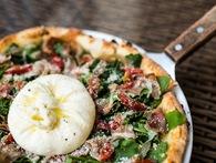 Chuỗi Pizza 4Ps của người đàn ông Nhật Bản kiếm hàng chục triệu USD tại Việt Nam có gì đặc biệt?