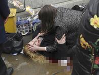 Nạn nhân nằm gục sau vụ nổ súng và đâm dao kinh hoàng bên ngoài toà nhà Quốc hội Anh