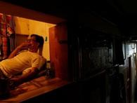 Dân Hong Kong chuyển sang sống trong 'nhà quan tài'