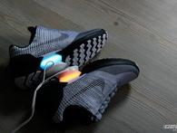 Độc quyền: Đập hộp đôi giày tự thắt dây đầu tiên trên thế giới - Nike HyperAdapt 1.0, vừa xuất hiện tại Việt Nam, giá 40 triệu