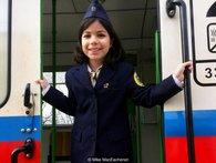 Kỳ lạ tuyến xe điện được điều hành hoàn toàn bởi trẻ em ở Budapest