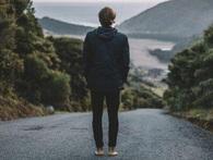 Trong cuộc sống ai cũng có thể nghi ngờ bạn nhưng nếu bạn nghi ngờ chính mình, mọi thứ là vô nghĩa