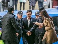 """""""Thái tử"""" Lee ăn cơm tù, chung trại giam với sát thủ máu lạnh nhưng vẫn đang điều hành Samsung?"""