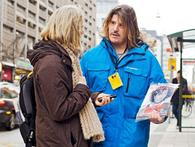 """Thụy Điển: Người dân """"chán"""" tiền mặt, các cửa hàng, dịch vụ và thậm chí cả người bán báo dạo chỉ chấp nhận thanh toán bằng thẻ"""