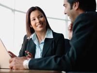 Làm việc cho một công ty càng lâu, bạn càng ít được tăng lương