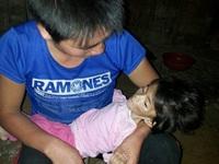 832,6 nghìn người thiếu đói và hình ảnh của em bé Sapa
