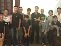 Chàng sinh viên Harvard biết hơn 20 ngôn ngữ và cuộc gặp gỡ tại Hà Nội